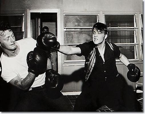 Elvis és Red bolondozása 1956-ban