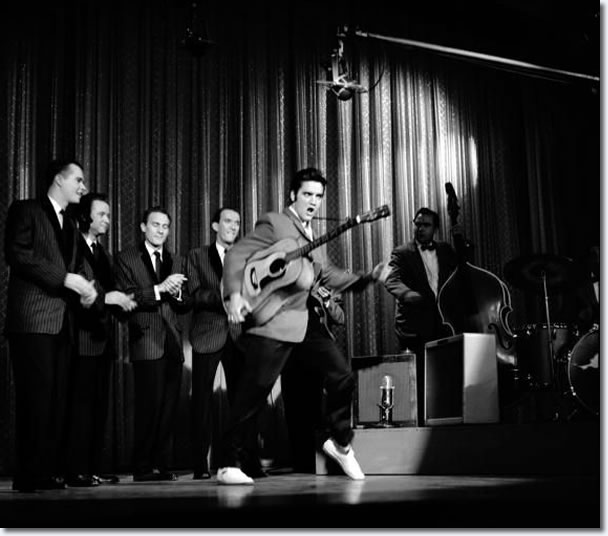 Elvis Presley on the Ed Sullivan Show : October 28, 1956