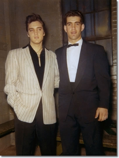 A backstage picture from April 3rd 1957, at Elvis his side is Arni May.