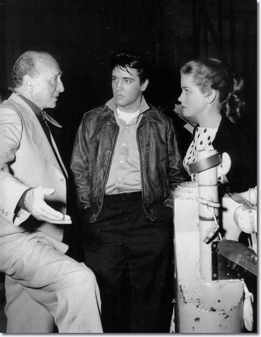 Elvis Kertész Mihállyal és Dolores Harttal 1958-ban