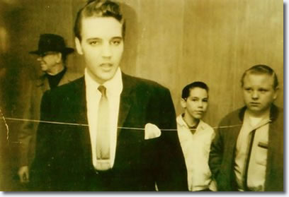 Elvis Presley : Backstage at The Auditorium : Holiday on Ice : March 9, 1962