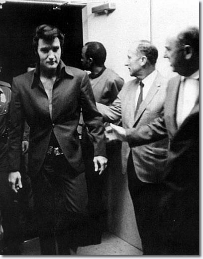 photos elvis presley in concert 1969