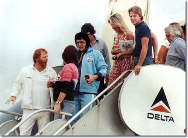 Elvis Presley Departing The Lisa Marie With Linda Thompson