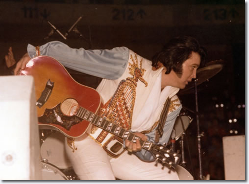 Elvis Presley Kansas City, MO : April 21, 1976.