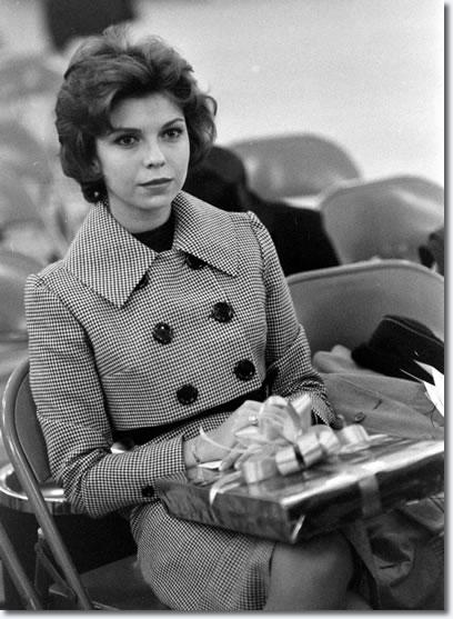 Nancy Sinatra waitng for Elvis to arrive, Fort Dix, March 3, 1960.