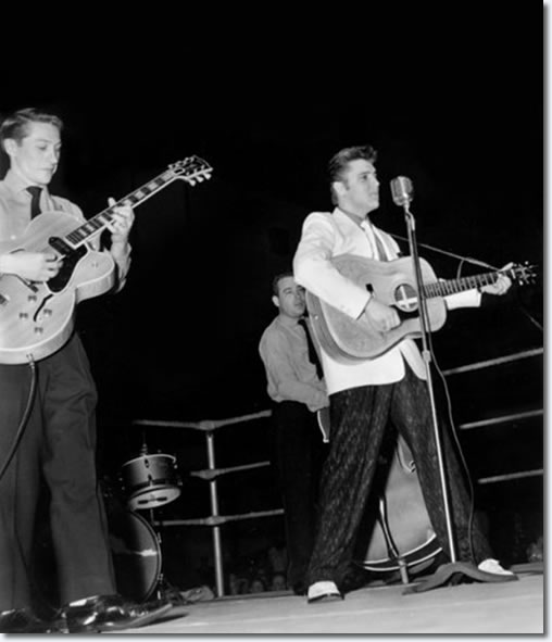 Scotty, Bill and Elvis onstage (in the ring) at Ellis Auditorium : Dec 19, 1955