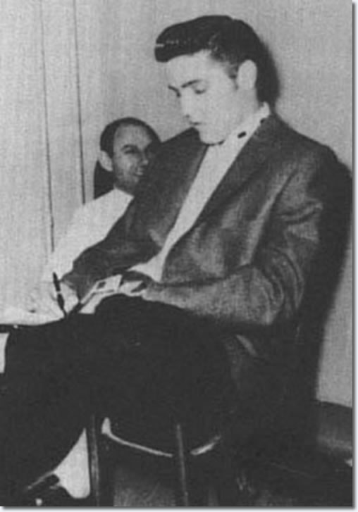 Elvis Presley before the second show : April 15, 1956.