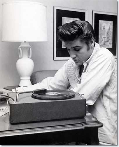 Elvis Presley at the Knickerbocker Hotel, Hollywood : August 18, 1956
