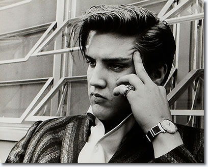 Elvis Presley : 1034 Audubon Drive House : June 14, 1956.