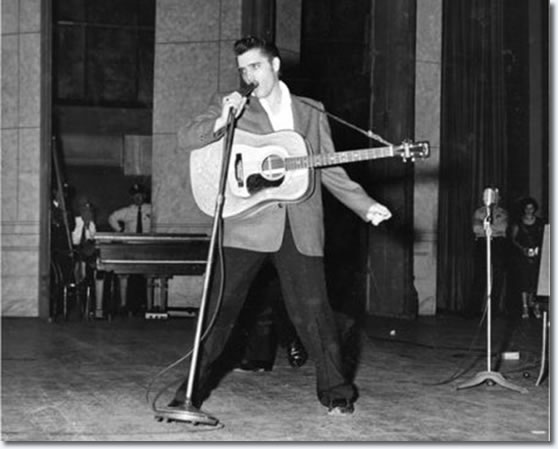 Elvis Presley : Ellis Auditorium Memphis, TN. : May 15 1956