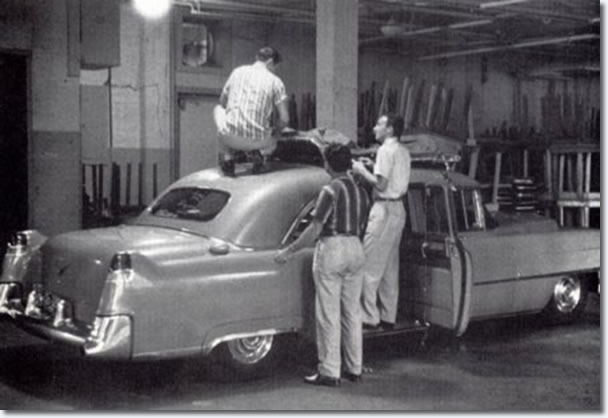 Scotty and the Jordanaires load up the car for the trip to the next gig.