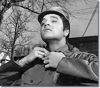 The nashville press were on hand to gets Elvis' thoughts on Military service.