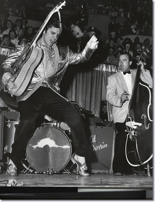 Elvis Presley Rock 'N' Roll at the Pan Pacific Auditorium - October 28, 1957