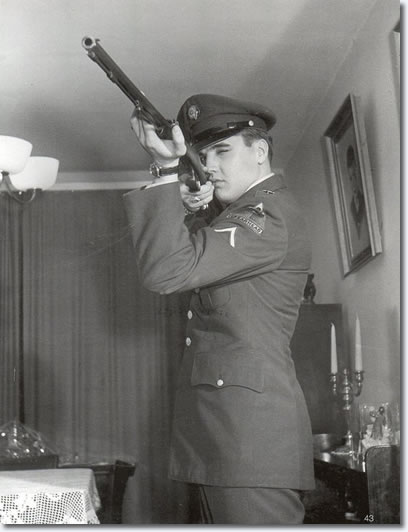Elvis with rifle, March 1959, Germany