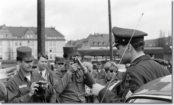 Elvis Presley last photos before leaving his 'home' in Germany: March 1, 1960