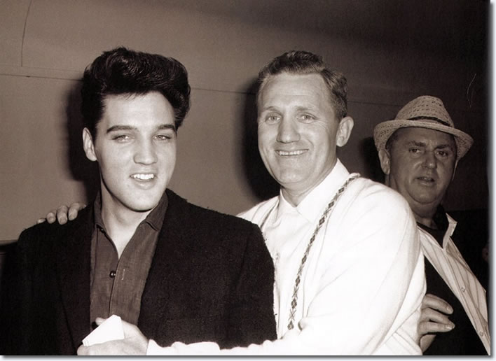 Elvis Presley : Fort Worth, Tx Train Station, April 19, 1960 : On the way to film G.I. Blues.