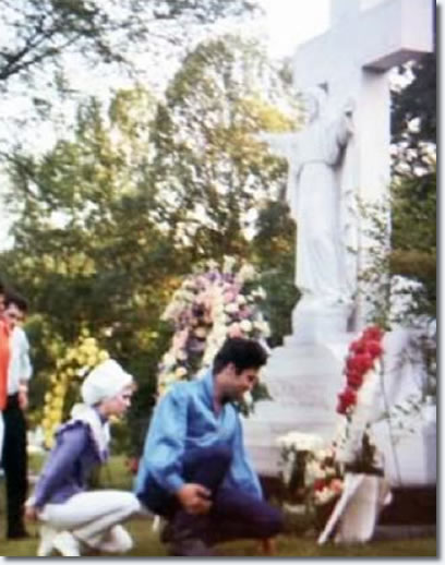 Elvis paying respects to his mother at Forest Hill Cemetery in 1966