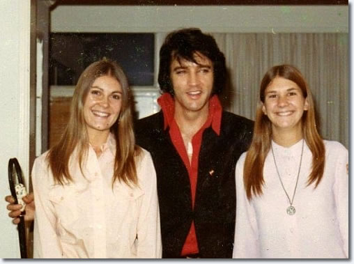Elvis Presley : November 25th, 1970. Taken with the daughters of the Denver Police Chief.