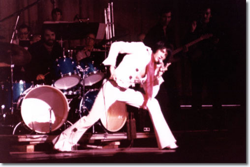 Elvis Presley : Olympia Arena, Detroit, Michigan : September 11, 1970.