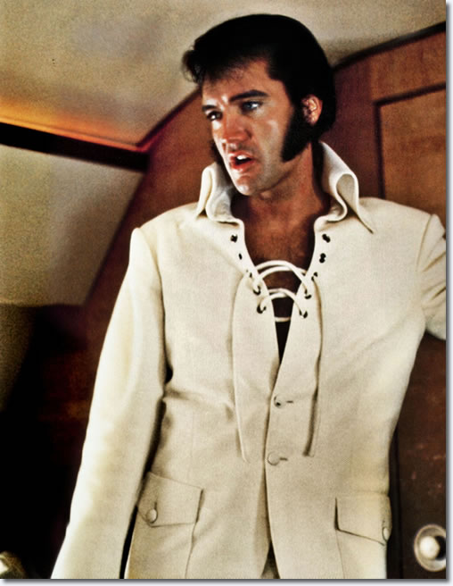 Elvis leaves Mobile at 3pm, flying home to Memphis so that he can complete a sheduled two-day recording session in Nashville before returning to the West Coast on September 24.