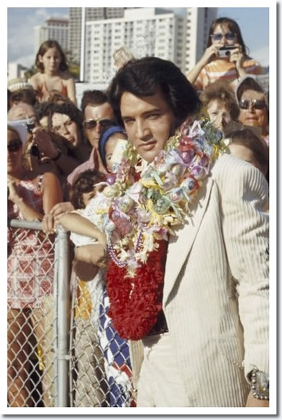 Elvis Presley : Arriving In Hawaii : January 9, 1973