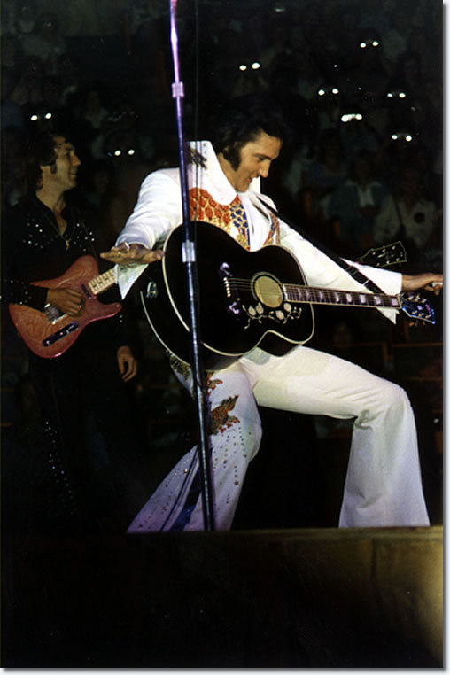 Elvis Presley : May 11, 1974 : Forum, Los Angeles, California : Evening Show.