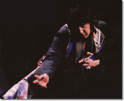 Elvis Presley : Las Vegas : December 13, 1975 : Midnight Show