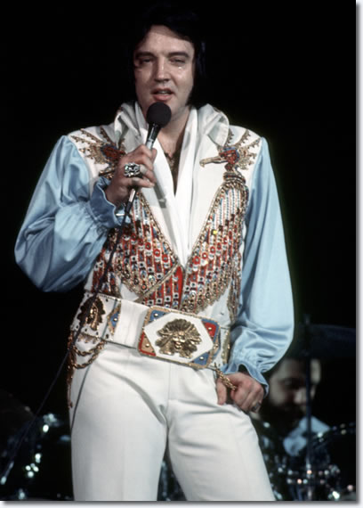 Elvis Performing in Concert at the Philadelphia Spectrum : June 28, 1976