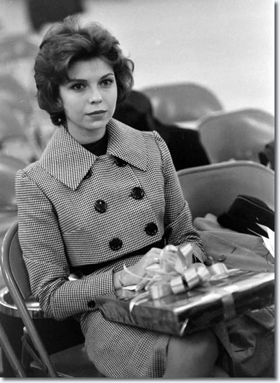 Nancy Sinatra waitng for Elvis to arrive, Fort Dix, March 3, 1960.