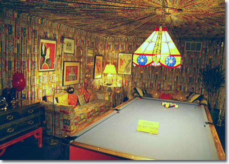 Pool room ... this room evokes the style of a 1920's American billiard hall / Scott Jenkins