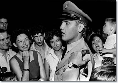 elvis presley june 1 1958 outside graceland