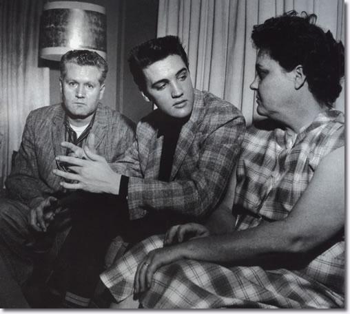 Elvis Presley Photos| Gladys, Vernon & Elvis Presley
