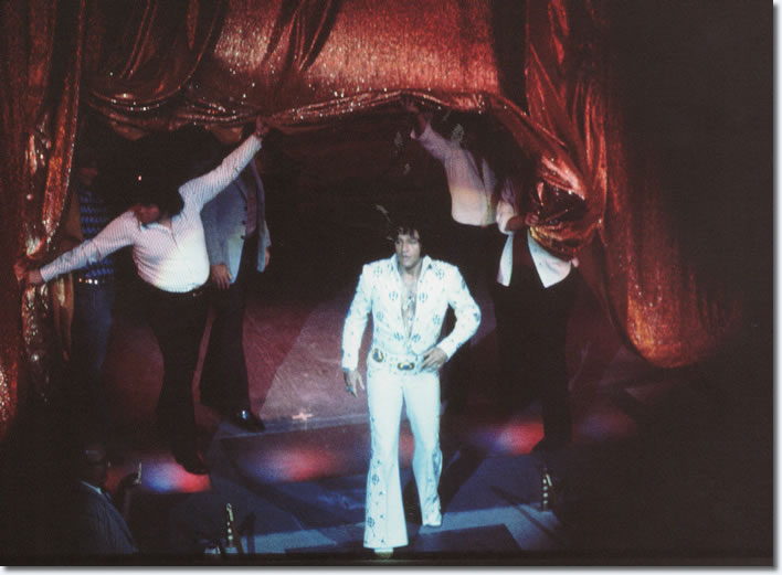 Elvis Presley : September 1, 1973 DS. : Las Vegas, NV. From the book; Elvis : Caught In A Trap.