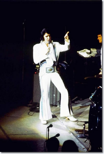 Elvis Presley in concert Bloomington, In June 27, 1974