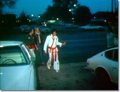 Elvis :  Karate